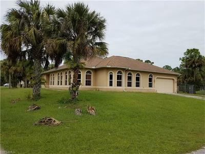 Lehigh Acres Single Family Home For Sale: 703 NW Plumosa Ave