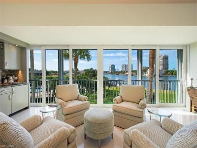 Condo/Townhouse Sold: 250 Park Shore Dr #101