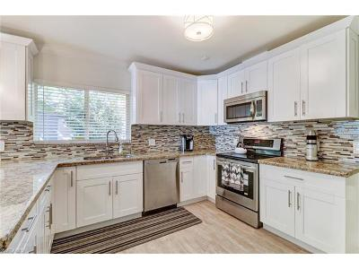 Naples Single Family Home For Sale: 1364 Cypress Woods Dr