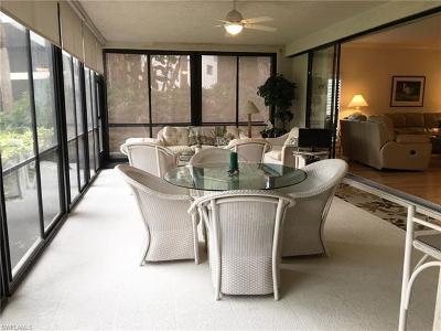 Naples Condo/Townhouse For Sale: 752 Eagle Creek Dr #103