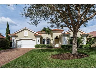 Naples Single Family Home For Sale: 447 Saddlebrook Ln