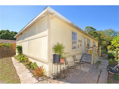 Bonita Springs Multi Family Home For Sale: 27550/552 Nevada St