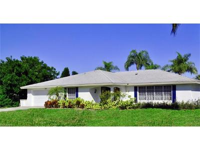 Naples Single Family Home For Sale: 389 Country Club Ln