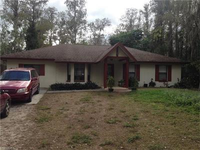 Naples Single Family Home For Sale: 5360 Cherry Wood Dr