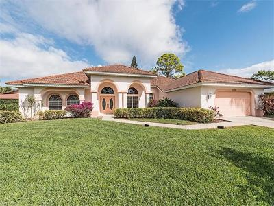 Naples Single Family Home For Sale: 2325 Queens Way