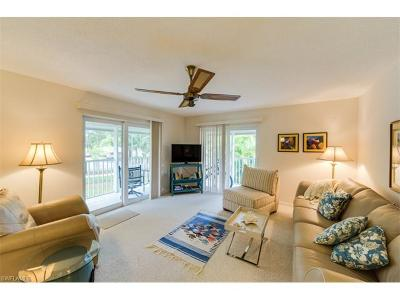 Glades Country Club Condo/Townhouse For Sale: 208 Palm Dr #44-8