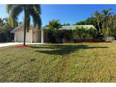 Marco Island Single Family Home For Sale: 710 Kendall Dr