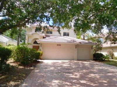Naples Single Family Home For Sale: 2380 Heritage Greens Dr