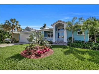 Bonita Springs Single Family Home For Sale: 27101 Flamingo Dr