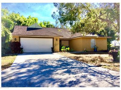 Naples Single Family Home For Sale: 3740 Guilford Oaks Ln