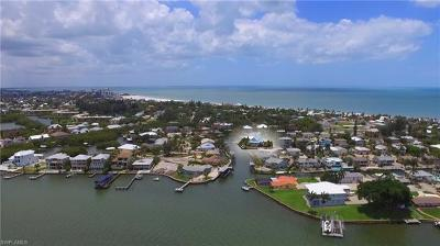 Fort Myers Beach Single Family Home For Sale: 17 Pepita St
