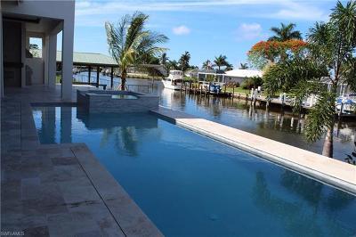 Marco Island Single Family Home For Sale: 236 Polynesia Ct