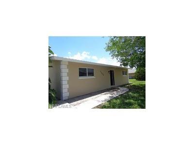 Cape Coral Single Family Home For Sale: 1337 SE 16th Pl
