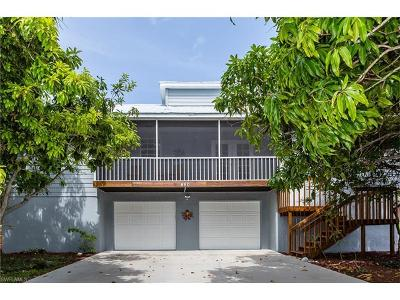 Marco Island Single Family Home For Sale: 480 Worthington St