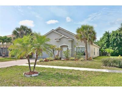 Valencia Lakes Single Family Home For Sale: 2715 Orange Grove Trl