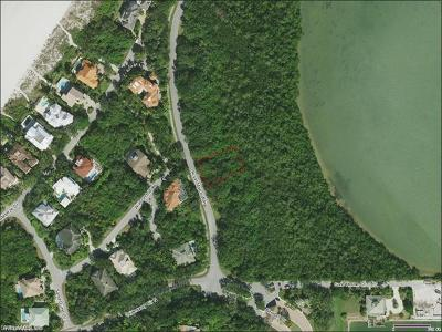 Marco Island Single Family Home For Sale: 955 Royal Marco Way