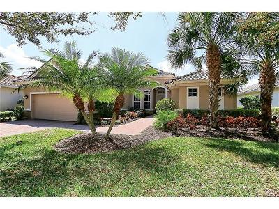 Naples Single Family Home For Sale: 11894 Heather Woods Ct