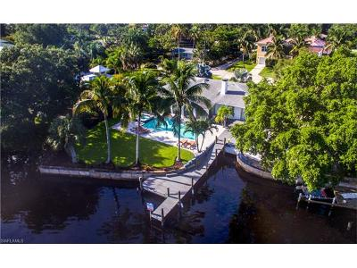 Bonita Springs Single Family Home For Sale: 4220 Racoon Bay Dr