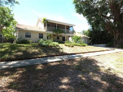 Marco Island Single Family Home For Sale: 1912 Sheffield Ave