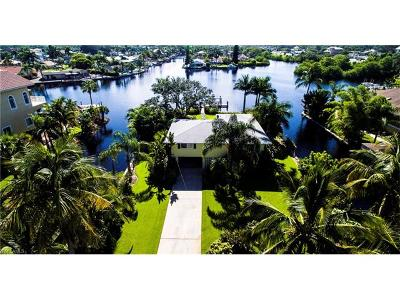 Bonita Springs Single Family Home For Sale: 27694 Bay Point Ln
