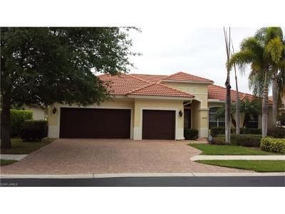 Naples Single Family Home For Sale: 4915 Rustic Oaks Cir