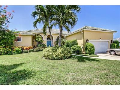 Marco Island Single Family Home For Sale: 570 Elk Cir