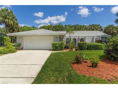 Naples Single Family Home For Sale: 2537 Outrigger Ln