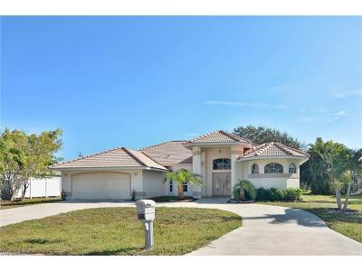 Cape Coral Single Family Home For Sale: 2229 SE 18th Ave