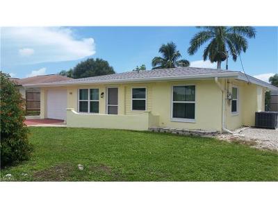 Isles Of Capri Single Family Home For Sale: 132 San Salvador St