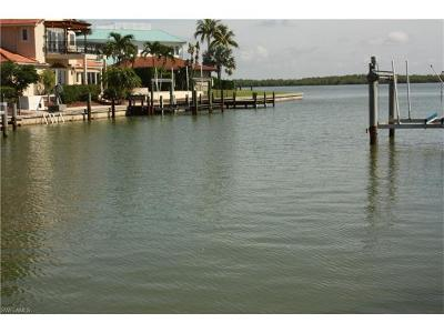 Marco Island Condo/Townhouse For Sale: 1240 Laurel Ct