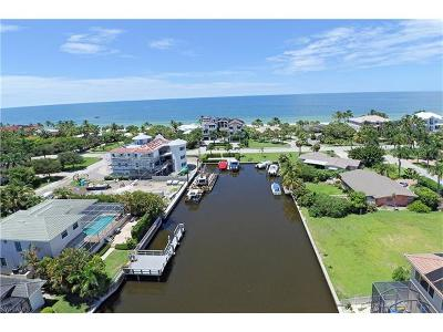 Marco Island, Naples, Bonita Springs, Sanibel, Captiva, Fort Myers, Fort Myers Beach, Cape Coral, Estero, Boca Grande, Sarasota, Longboat Key, Lakewood Ranch, Englewood, Venice, Osprey, Anna Maria, Bradenton Beach Single Family Home For Sale: 115 Bayview Ave
