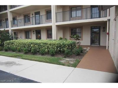 Naples Condo/Townhouse For Sale: 7340 Saint Ives Way #3105