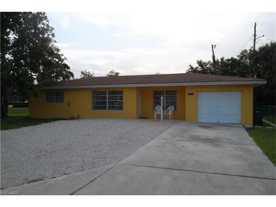 Naples Single Family Home For Sale: 4848 Catalina Dr