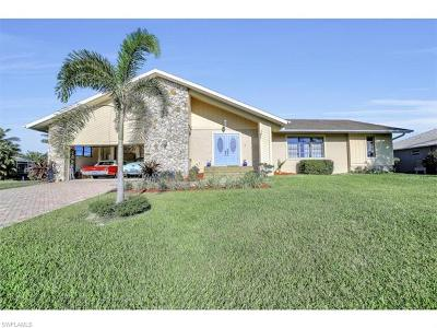 Marco Island Single Family Home For Sale: 187 Dan River Ct