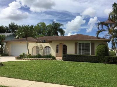 Naples Single Family Home For Sale: 946 Charlemagne Blvd