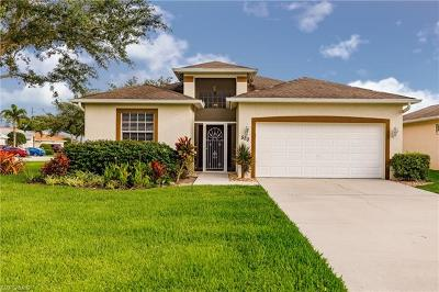 Naples Single Family Home For Sale: 520 Crossfield Cir