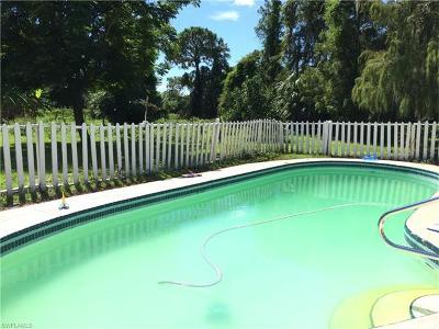 Golden Gate Estates Single Family Home For Sale: 670 27th St SW