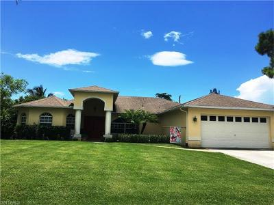Bonita Springs Single Family Home For Sale: 4567 Key Largo Ln