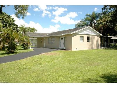 Naples Single Family Home For Sale: 3552 Corana Way W