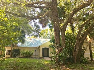 Lehigh Acres Single Family Home For Sale: 1210 Baldwin Pl