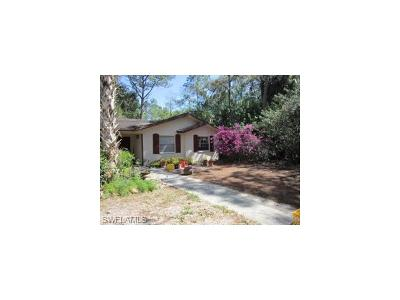 Naples Single Family Home For Sale: 6101 Westport Ln