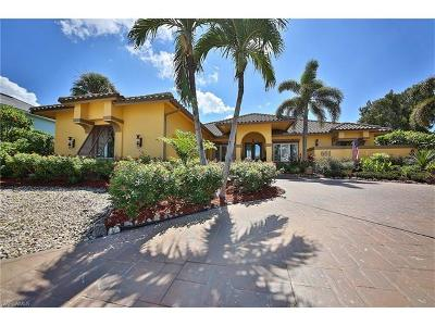 Marco Island Single Family Home For Sale: 681 S Barfield Dr
