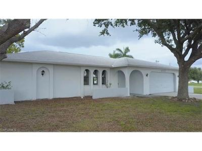 Cape Coral Single Family Home For Sale: 1009 Nicholas Pky W