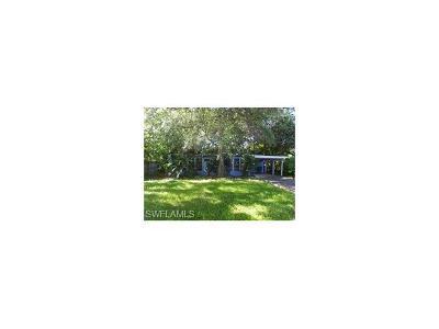Naples Single Family Home For Sale: 1272 Sperling Ct