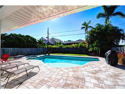 Naples Park Single Family Home For Sale: 580 97th Ave N