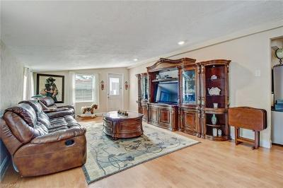 Naples Single Family Home For Sale: 1105 Hollygate Ln