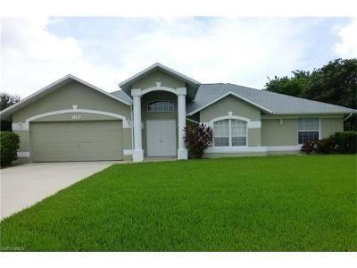 Lee County Single Family Home For Sale: 160 SE 21st Ln