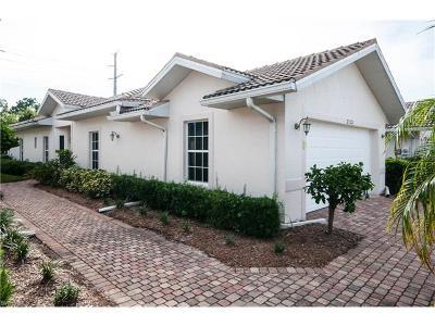 Estero Condo/Townhouse For Sale: 23221 Coconut Shores Dr