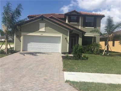 Naples Single Family Home For Sale: 4255 Raffia Palm Cir