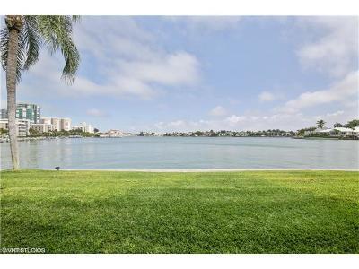 Condo/Townhouse For Sale: 3400 Gulf Shore Blvd N #O2